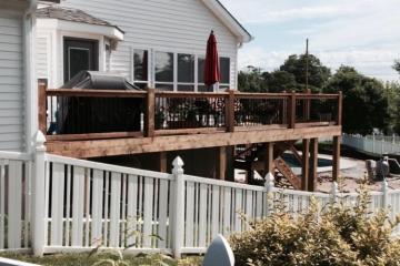 St. Louis wood deck contractor